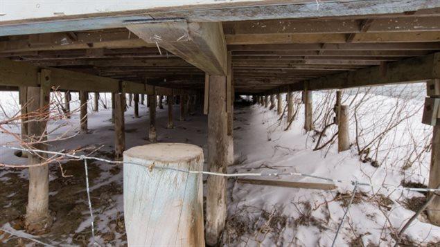 永冻层融化让加拿大北方许多建筑失去了支撑