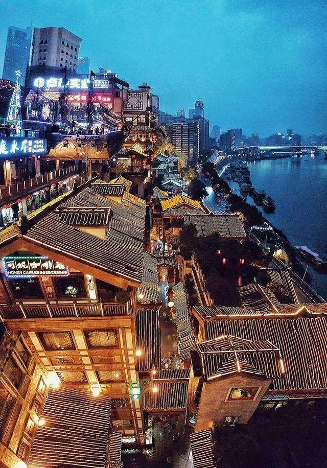 一张图道尽成都和重庆的区别,就问你服不服