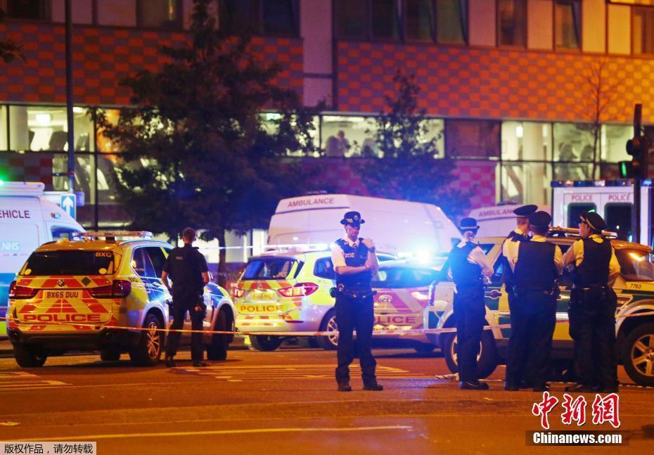伦敦一货车冲撞行人致多人受伤 1人被捕