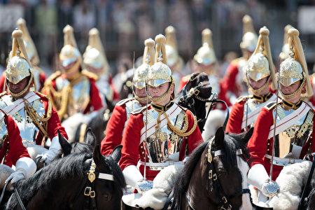 皇家军队阅兵仪式(Trooping the Colour)。(Jack Taylor/Getty Images)