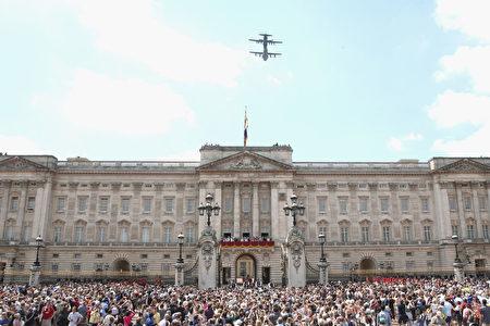 英国皇家军队阅兵仪式(Trooping the Colour)。(Chris Jackson/Getty Images)