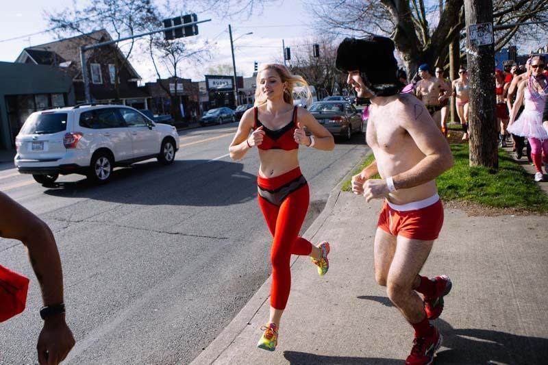 软妹:世界上最美好的运动,最性感的奔跑