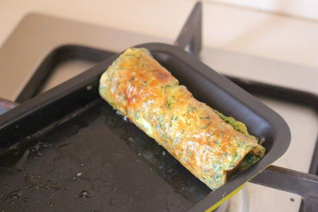 芹菜叶千万别扔,教你新吃法,营养又美味,保证一上桌就抢光!