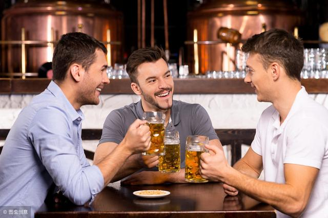 过量饮酒会引起痛风发作