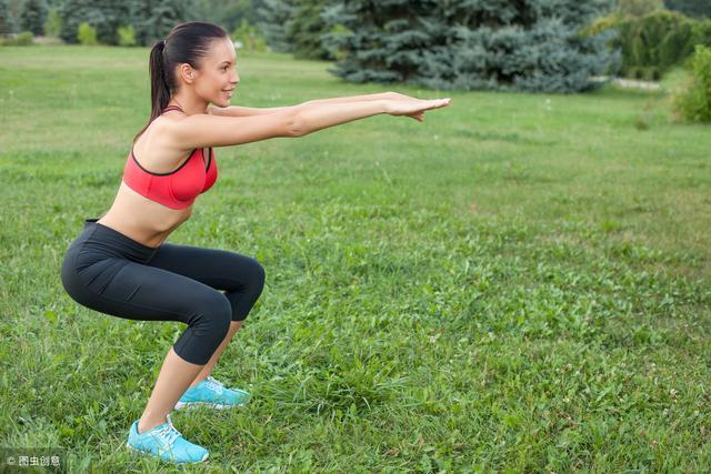 每天60个下蹲养腿抗衰老