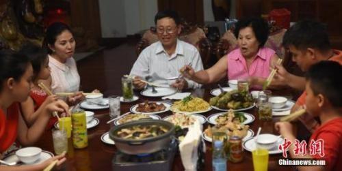 中国人每年必吃的这顿饭,承载多少故事与情感?_图1-1