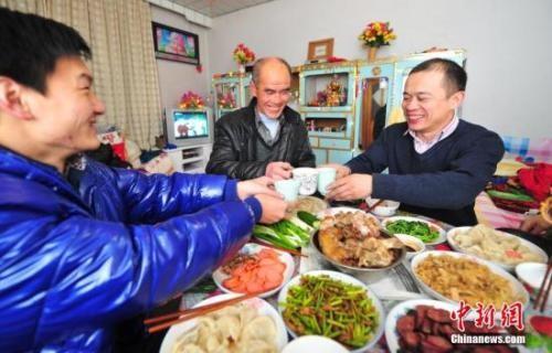中国人每年必吃的这顿饭,承载多少故事与情感?_图2-1