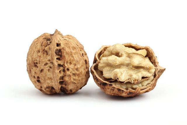 营养师提醒:每周吃2次核桃,可降低糖尿病风险,但别超过这个量
