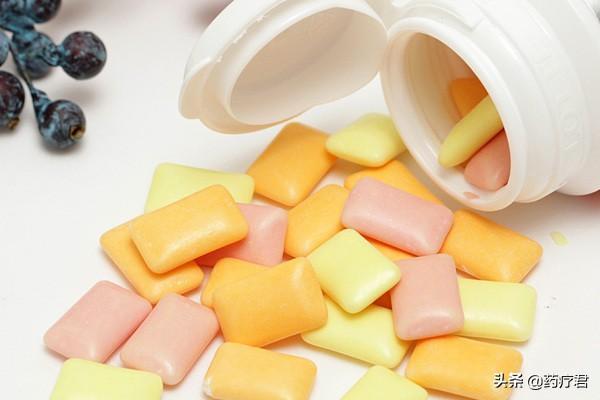 每天坚持刷牙还口臭?医生推荐3种去口臭的方法,简单好用