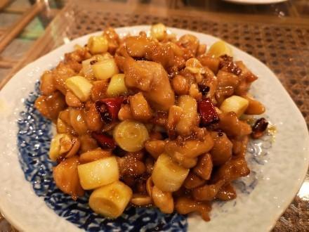 宫保鸡丁到底是川菜还是北京菜?懂行的人都知道:它的老家在贵州