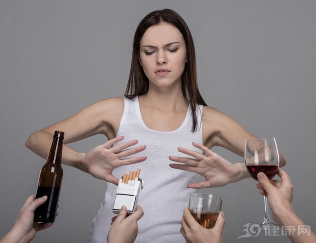 """总喝酒喝""""断片"""",对身体有坏处吗?看了解释,心里凉半截"""