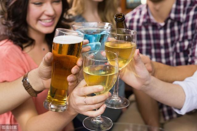 夏天如何喝啤酒才能不伤身?这6点需要了解,可惜很多人没意识到