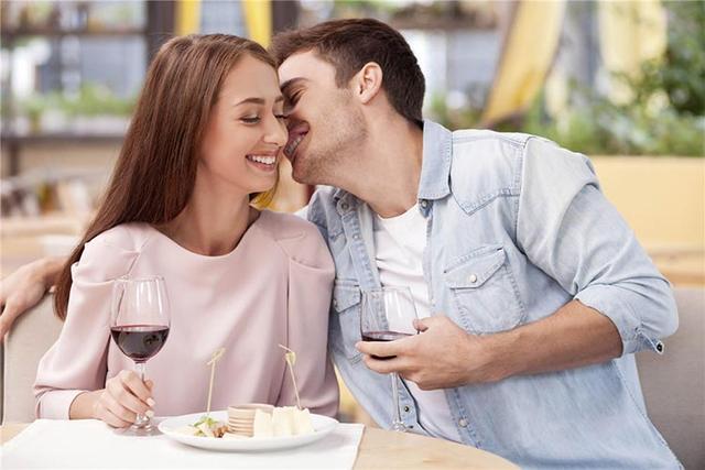 头晕、恶心、呕吐、失忆……喝酒后的感受那么不好,为什么人还那么爱喝酒?