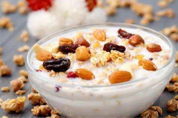 有人说糖尿病人应该吃燕麦,有人说吃燕麦血糖会升高,该听谁的?