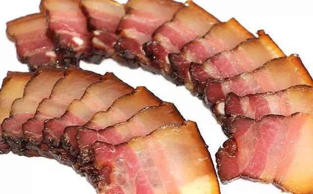 喝酒的时候少吃这些菜 容易对肝脏造成伤害