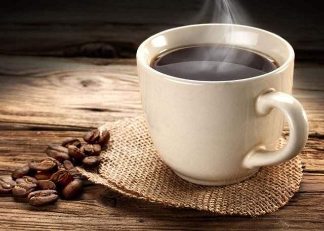 从养生跟健康的角度来看,喝咖啡跟喝茶水,哪个饮品更好?
