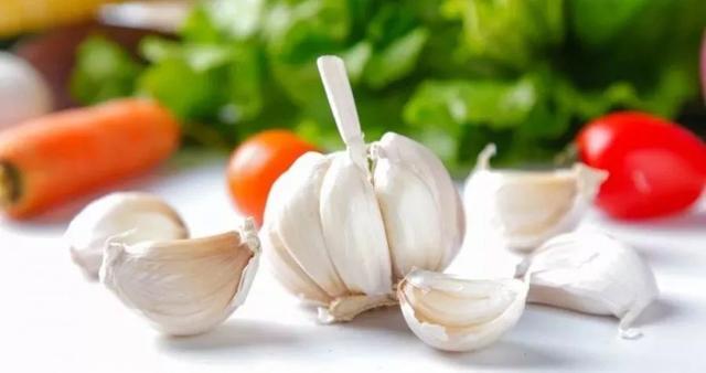 吃大蒜防癌吗?吃大蒜到底有没有好处?