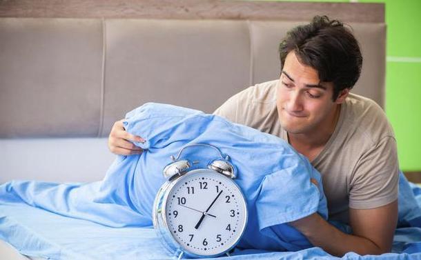 每天睡够8小时原来是错的!到底每晚睡多久才健康?