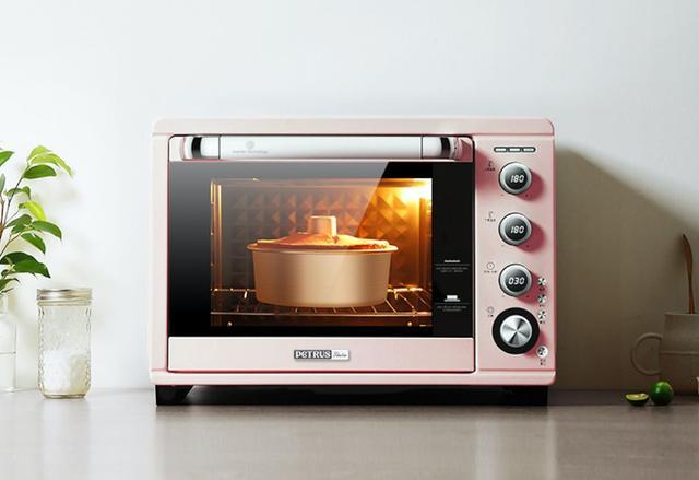 自从有了它,蛋糕、酸奶、烤鸡全都自己做,朋友自带碗筷来