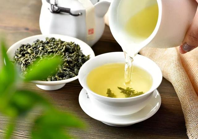 每天喝多少绿茶不超量?喝绿茶可以降血糖?喝绿茶该知道这三件事