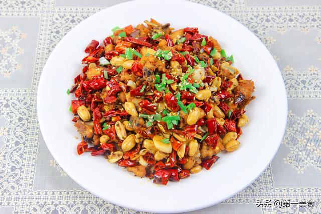 辣子鸡经典做法,厨师长分享腌制配方,教你把控火候,越吃越有味