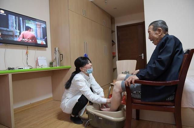 """中国人那么爱""""养生"""",为什么国民平均寿命不长?科学给出了答案"""