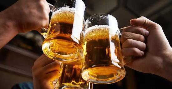 喝酒断片儿是怎么回事?如果出现4种现象,你可能得考虑戒酒了