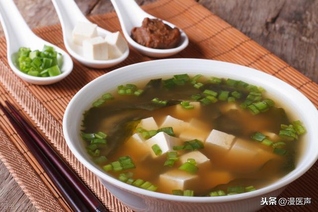 伏天湿气重,常喝这几种祛暑去湿汤,是谷物也是药,清爽更舒适